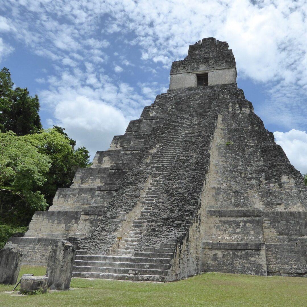 pyramid-1743146_1920